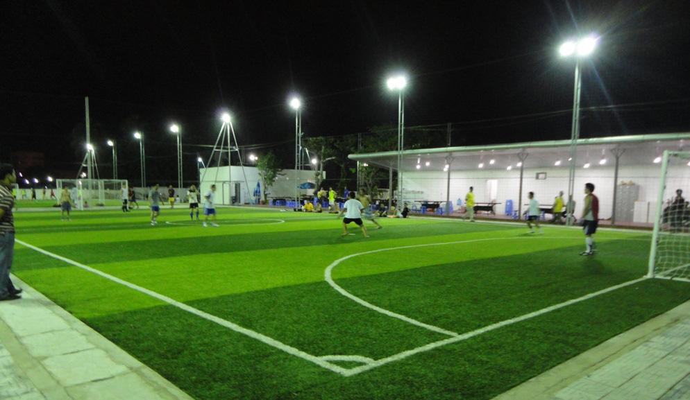 thiết bị điện sân bóng đá
